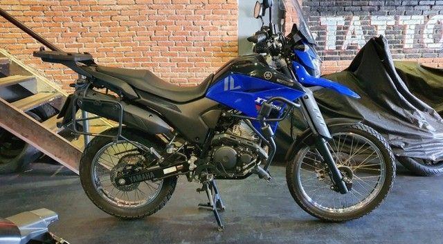 Vende-se está moto xtz250 lander