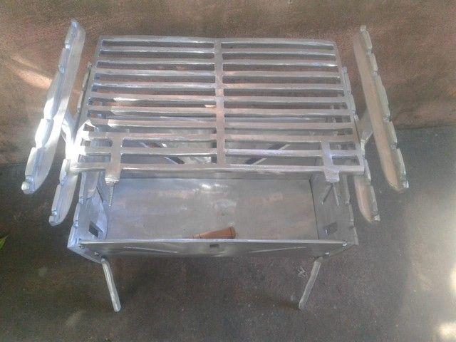 Vendemos churrasqueiras de aluminio desmontavél. - Foto 2