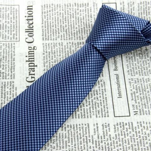 Gravata Clássica 100% seda azul floral