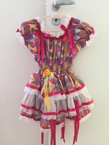 Vendo vestido infantil de São João para até 4 anos