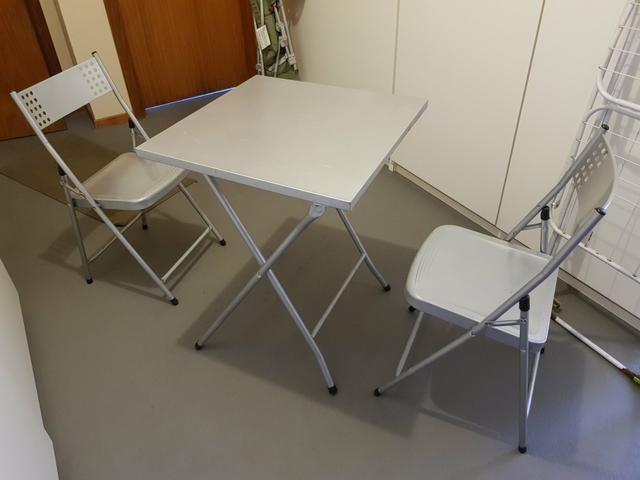 Mesa de boteco + 2 cadeiras