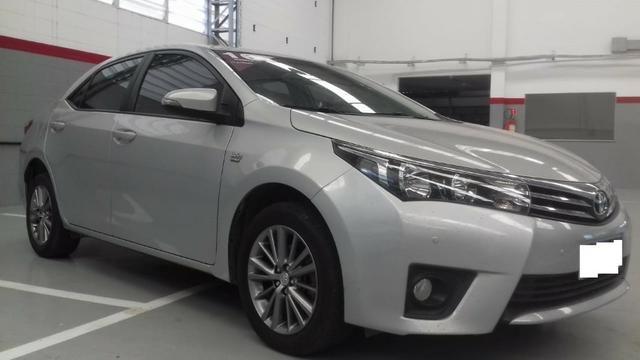 Toyota Corolla xei at muito novo, bancos de couro bege claro, um luxo de carro
