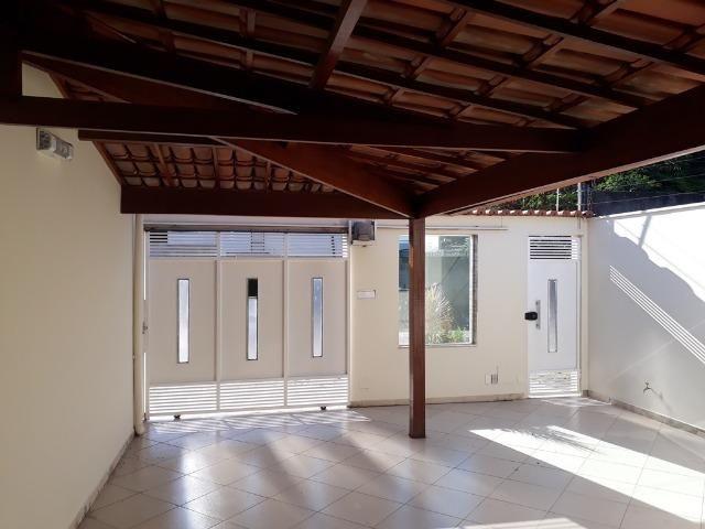 (R$290.000) Casa Seminova c/ Garagem p/ 02 Carros e Área Gourmet - Bairro Morada do Vale - Foto 3