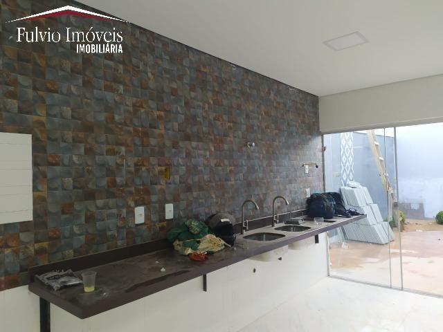 Casa exuberante de Alto Padrão com 02 suítes, 01 closet e churrasqueira - Foto 8