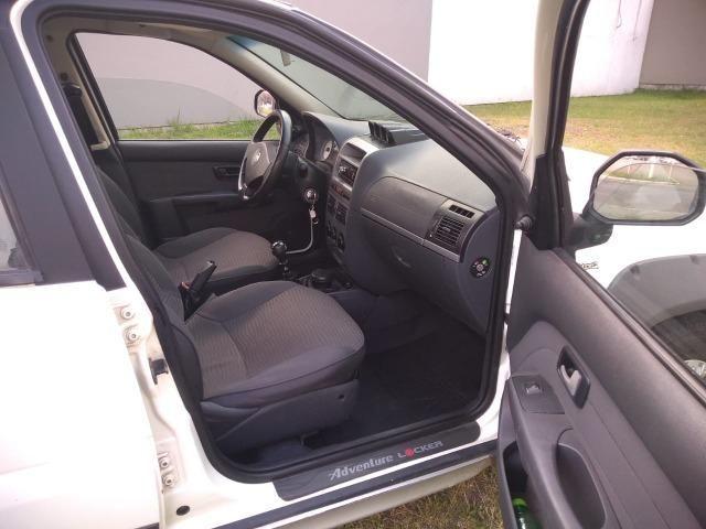 Vendo Palio Locker 1.8 2010/2011 completa, estudo proposta - Foto 5