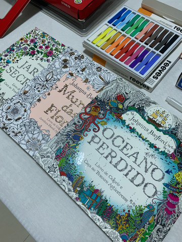 Kit pintura - Lápis / livros de pintura / apontador / caneta water - Foto 4