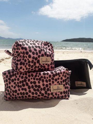Vende-se Bolsa de Praia, necessaire, chima bag e carteirinhas - Foto 5