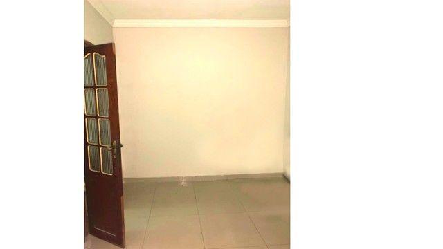 Aluga-se KIT Net Grande com Quintal - Direto co Proprietário - Nova Marambaia - Foto 2