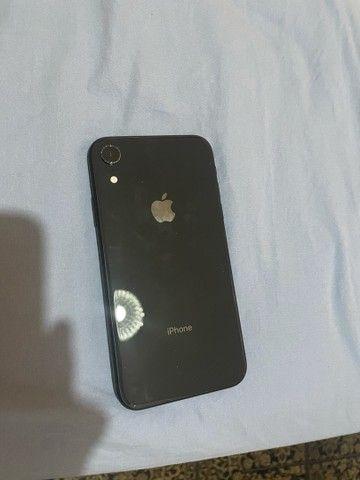 iPhone XR black 64 GB e capas  - Foto 2