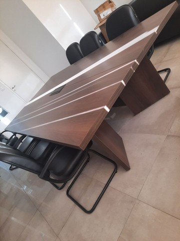 Mesa escritório 1,40x2,70 42mm 6 poltronas