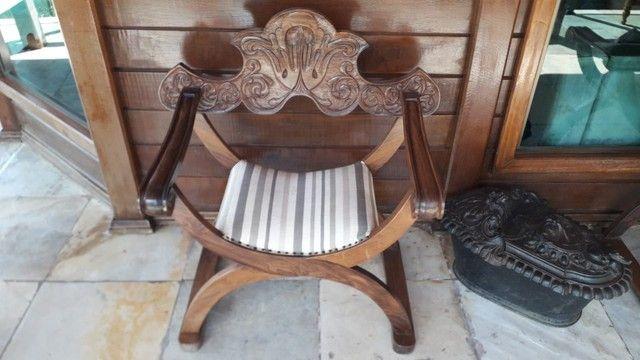 Cadeira e Banco entalhada a mão de jacarandá - Foto 4