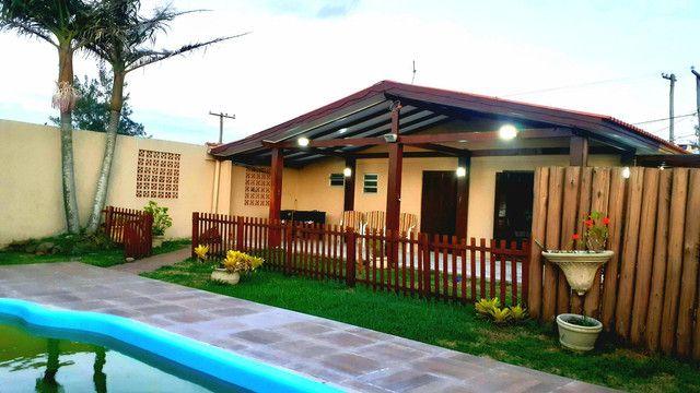 Casa diferenciada com piscina 4d centro pinhal - Foto 9