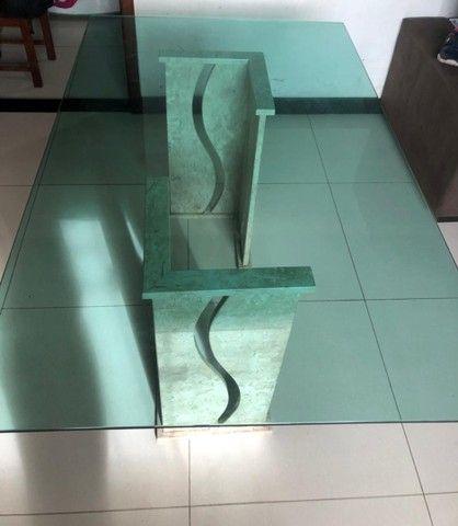 Vendo mesa de vidro com pés de mármore