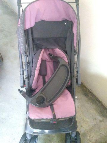 Vende-se carrinho de bebê (Menina) - Foto 2