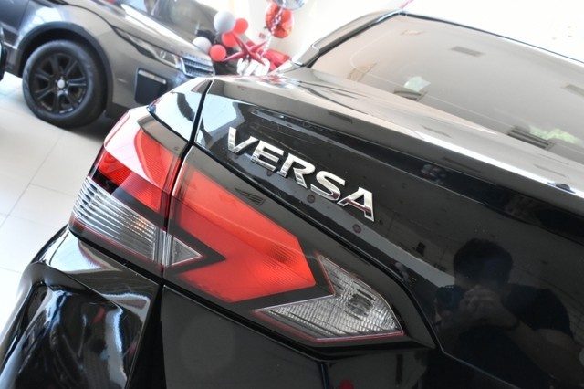 Nissan VERSA EXCLUSIVE 4P - Foto 5