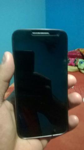 Vendo celular Lenovo moto G4 play semi novo