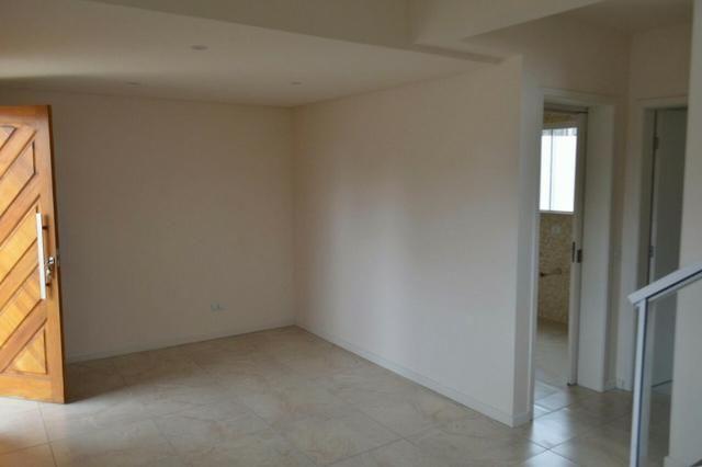 Sobrado novo de frente com 113 m2 3 quartos no Abranches - Foto 4