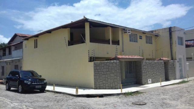 Ótima residência em rua tranquila e muito bem localizada Lagoa Nova