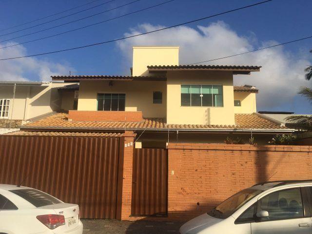 Casa 03 suítes próximo a terceira avenida balneário Camboriú
