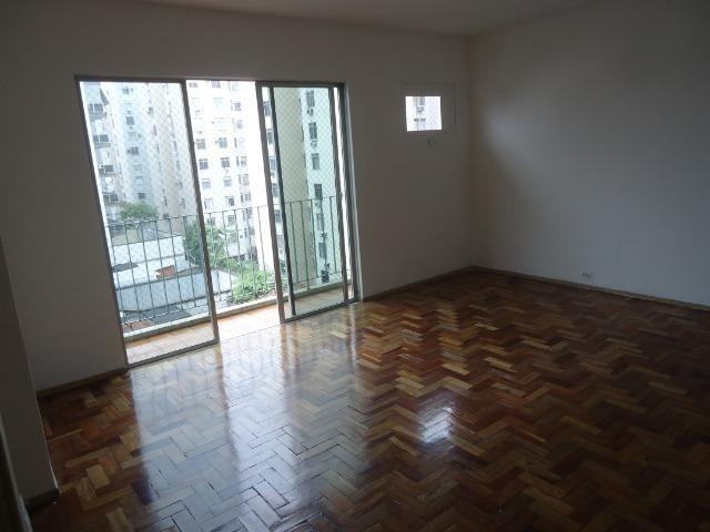 Apartamento 2 quartos na Rua Senador Muniz Freire com garagem