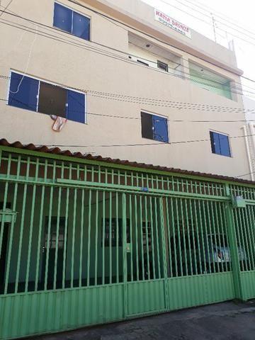 Excelente prédio com 7 aparts,1 loja,+1 terraço renda de 7 mil mês, na qr 410 Samambaia No - Foto 8