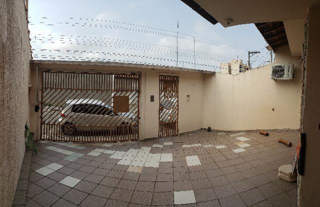 Casa Térrea em ótima localização no centro - Foto 18
