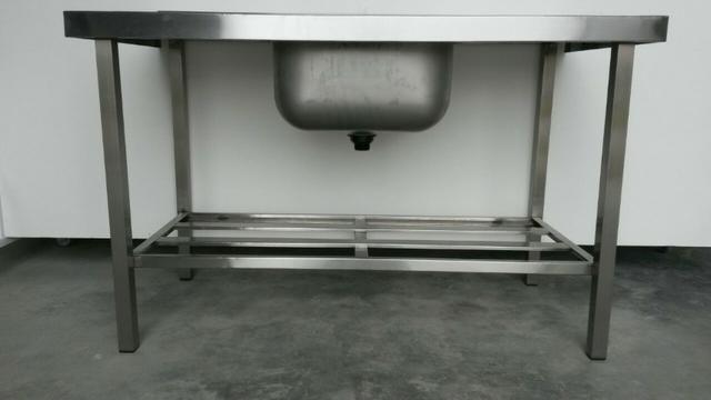 Pia Inox industrial com 1 cuba e prateleira gradeada