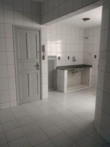 Simone Freitas Imóveis - Aluga-se apartamento no Jardim Amália - Volta Redonda - Foto 5