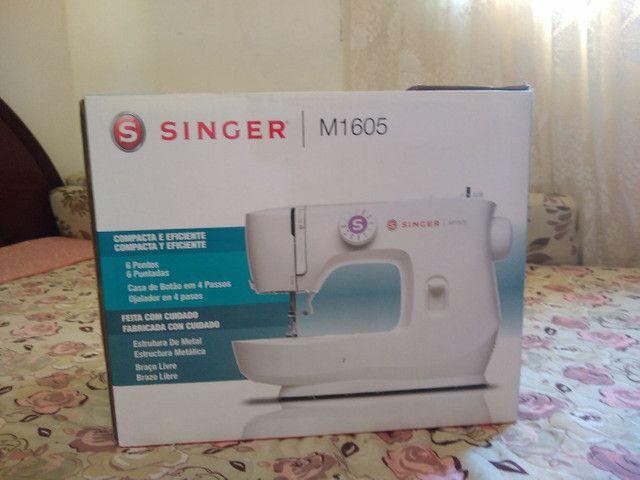 Máquina de costura Singer M1605 - Foto 4