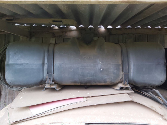 Tanque de 300 litros VW e MB - Foto 5