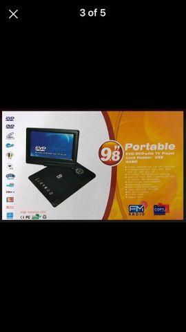 Dvd portátil  com várias  funções