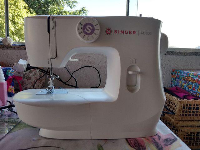 Máquina de costura Singer M1605