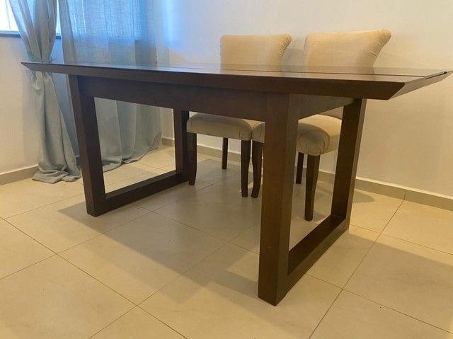 Linda mesa de jantar em madeira maciça - Foto 5