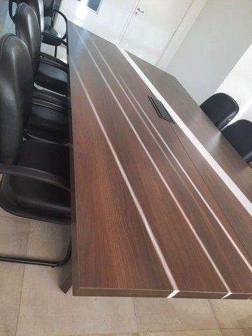 Mesa escritório 1,40x2,70 42mm 6 poltronas  - Foto 3