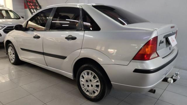 Focus Sedan 1.6/ 1.6 Flex 8V/16v 4p Mec. - Foto 5