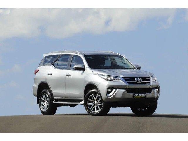 Toyota Hilux SW4 SRX 2.8 4X4 TB DIESEL AUT - 5 LUGARES
