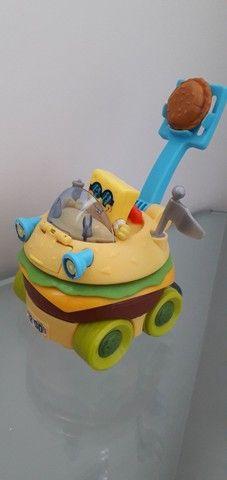 Imaginext Bob Esponja carro hamburguer Mattel - Foto 2