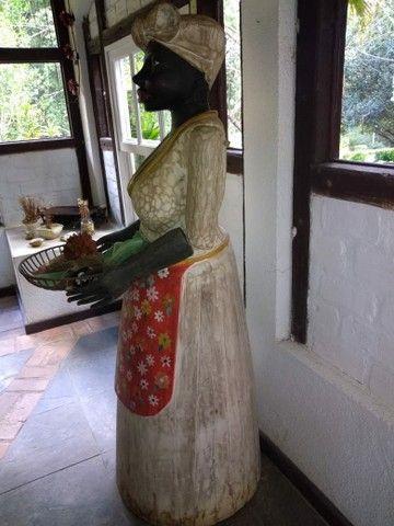 Escultura em madeira peça antiga  - Foto 3