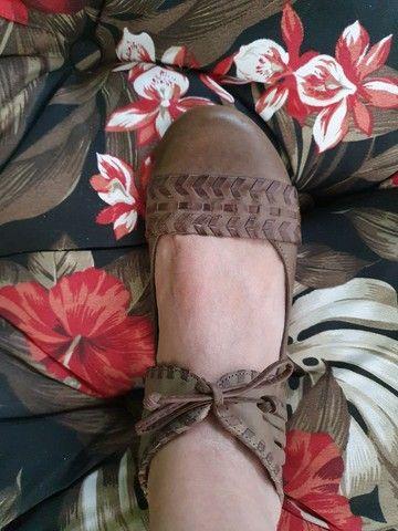 Sapato rasteiro de amarrar couro legítimo  - Foto 3