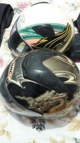 Vendo 2 capacetes e uma capa de chuva  - Foto 5