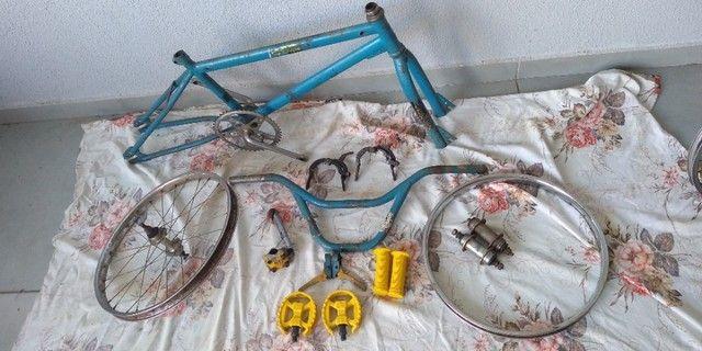 Bicicleta antiga bmx - Foto 3