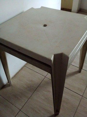 Vendo 2 mesas em bom estado . - Foto 2