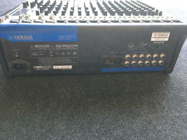 Mesa de som Yamaha MG20XU 20 canais - Foto 2