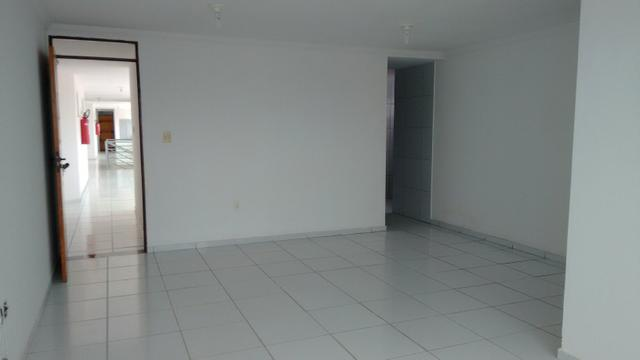 Apartamento no Cid. Universitária