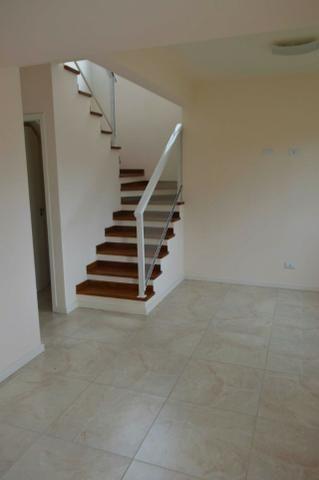 Sobrado novo de frente com 113 m2 3 quartos no Abranches - Foto 2