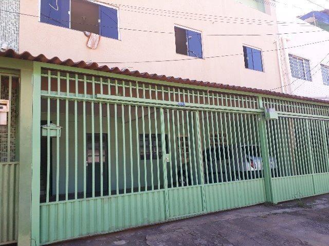 Excelente prédio com 7 aparts,1 loja,+1 terraço renda de 7 mil mês, na qr 410 Samambaia No - Foto 11