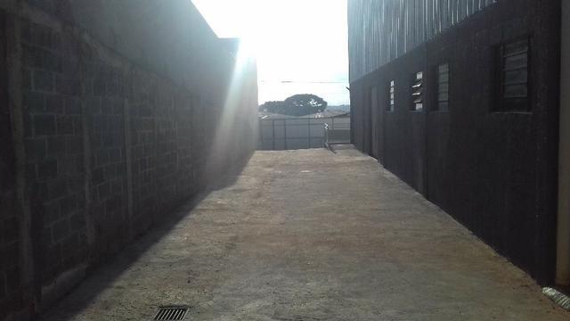 Vendo barracão 250m2. 350mil + 2.900, mensais - Foto 4