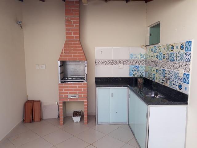 (R$290.000) Casa Seminova c/ Garagem p/ 02 Carros e Área Gourmet - Bairro Morada do Vale - Foto 16