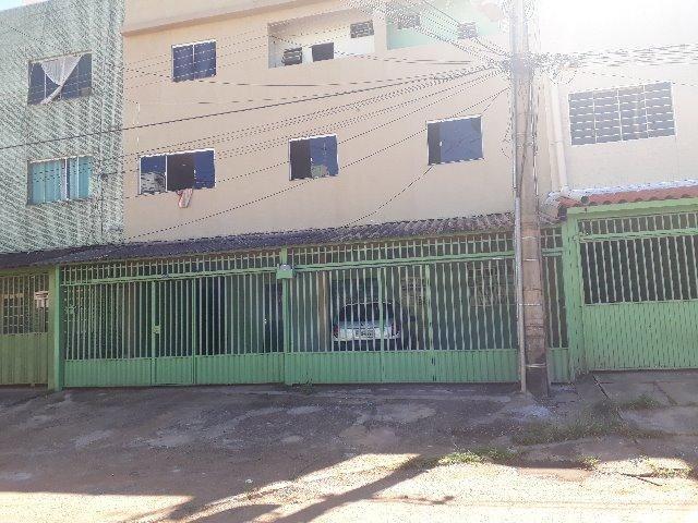 Excelente prédio com 7 aparts,1 loja,+1 terraço renda de 7 mil mês, na qr 410 Samambaia No - Foto 13