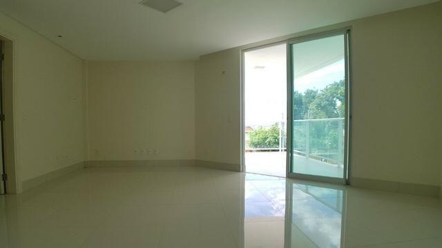 M. Oportunidade!Casa em rua publica Dubplex 330m²/ 3 Suítes + 1 Quarto/ 2 Vagas